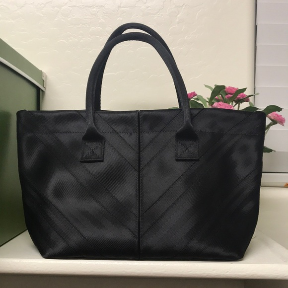 defe13c4cf Harveys Handbags - Harveys seatbeltbag Mini Sydney Tote in Black.